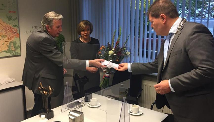 Zilveren Erepenning gemeente Vaals voor Jos Lambrichts